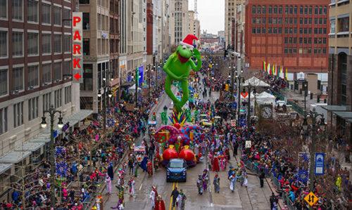 americas-thanksgiving-parade1